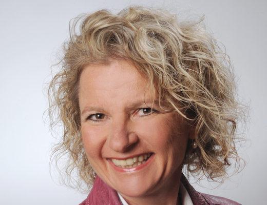 Porträtbild Dr. Bettina Dörr