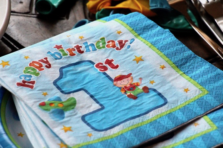 Der Erste Geburtstag Aktion Kleinkind Ernahrung